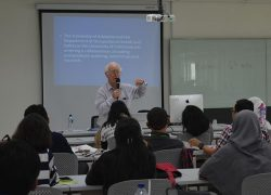 Kuliah Tamu oleh Dr. Richard Gun (School of Public Health, The University of Adelaide, South Australia)