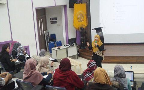 Tingkatkan Skill Menulis Ilmiah, Himpunan Mahasiswa Ekstensi Selenggarakan Workshop Essay Paper