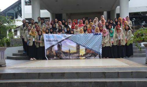 Mahasiswa Sekolah Vokasi Universitas Gajah Mada Yogyakarta Kunjungi FKM UI