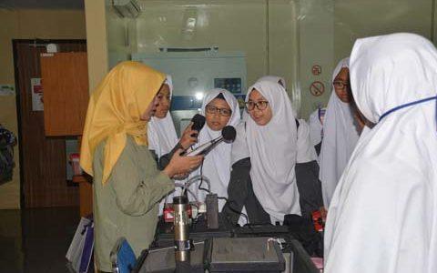 Siswa-siswi SMA IT Al-Kahfi Bogor Kunjungi FKM UI, Guna Tambah Wawasan Dunia Perkuliahan