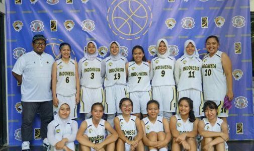 Tiga Mahasiswi FKM UI Bersama Tim Basket UI  Berhasil Sabet Juara 2 UIBI 2018