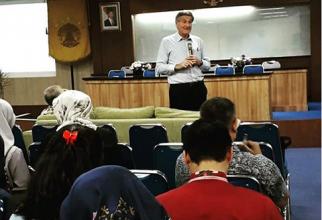 Departemen AKK FKM UI Selenggarakan Kuliah Tamu Asing dari University of Sydney