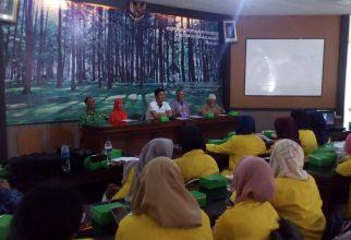Mahasiswa Studi Gizi FKM UI Laksanakan Presentasi Hasil Praktik Belajar Lapangan di Kecamatan Babakan Madang