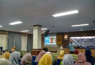 Seminar untuk Tambah Wawasan Mahasiswa Gizi pada Penggunaan GIS dalam Ilmu Gizi dan Alergi Makanan pada Balita