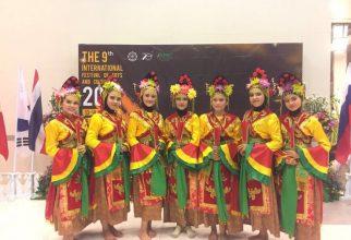 Mahasiswa FKM UI Tampilkan Budaya Indonesia Pada The 9th International Festival of Art and Culture di Thailand