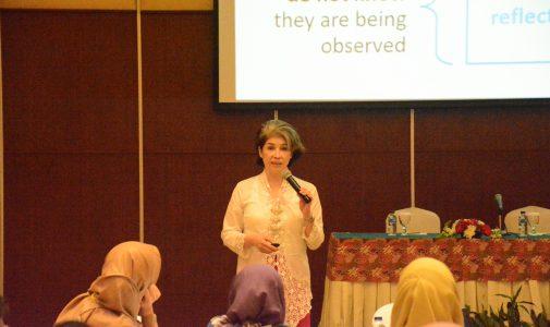 Guru Besar FKM UI Paparkan Materi tentang Metode Penelitian pada Workshop The 4th International Conference on Global Health