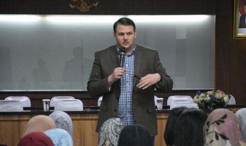 FKM UI Hadirkan Pembicara dari Duke Kunshan University dalam Kegiatan Workshop Penyususnan Proposal untuk Pengajuan Hibah Riset